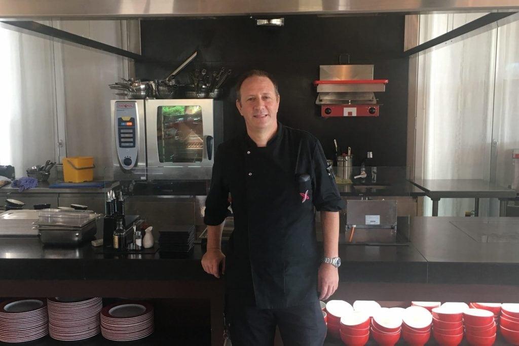 Employé cuisine Stars restaurant
