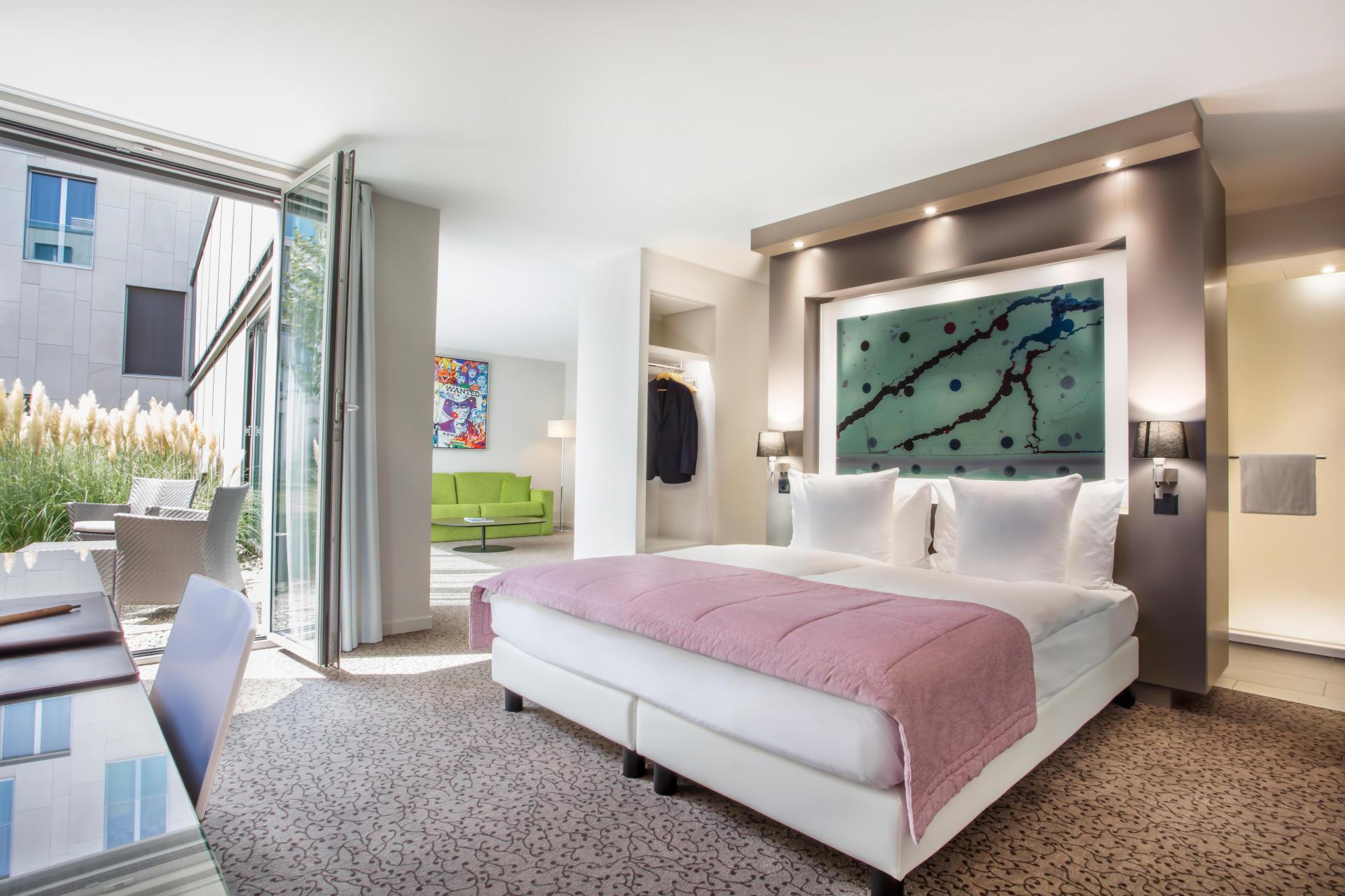 Chambre Junior Suite rose avec terrasse